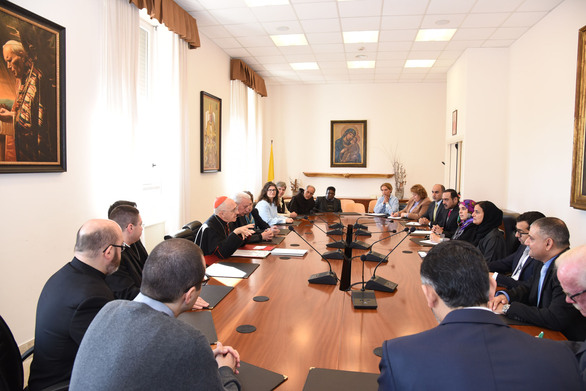 2 meeting of the uae delegation to the vatican