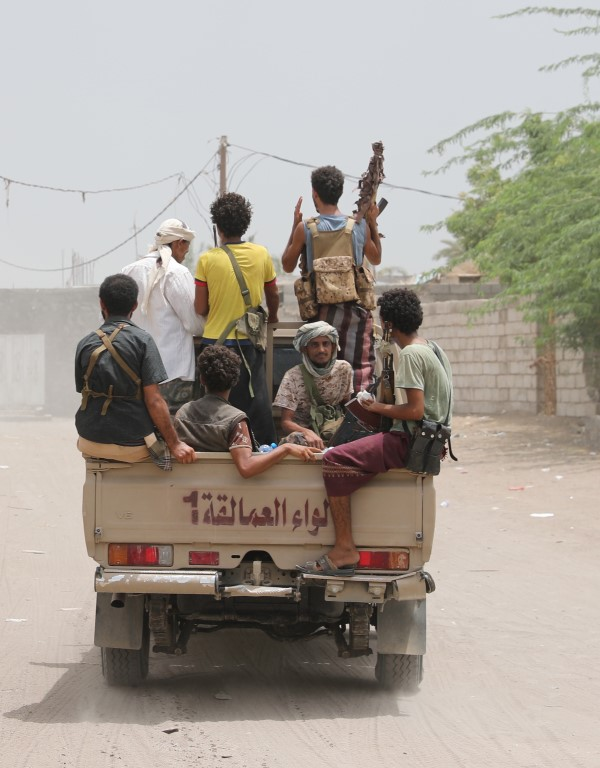 Yemeni resistance fighters in truck - Al Munthar /Medium/