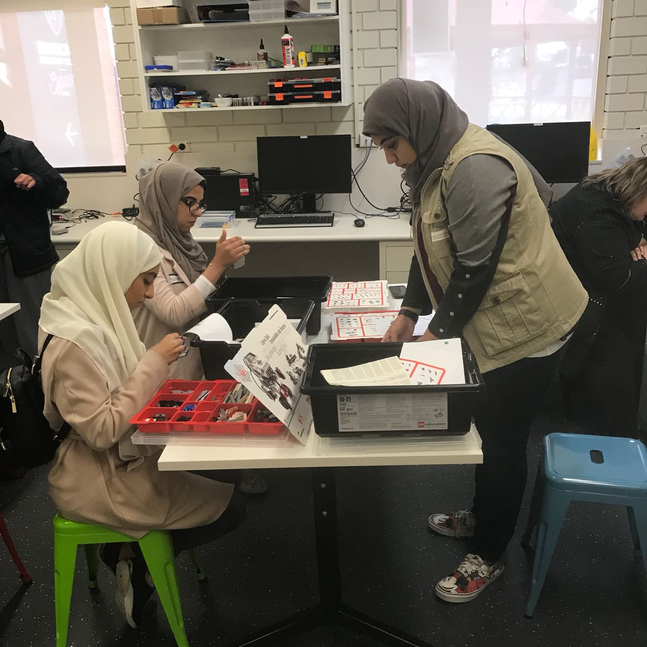 uae space agency launches mars summer camp in australia6