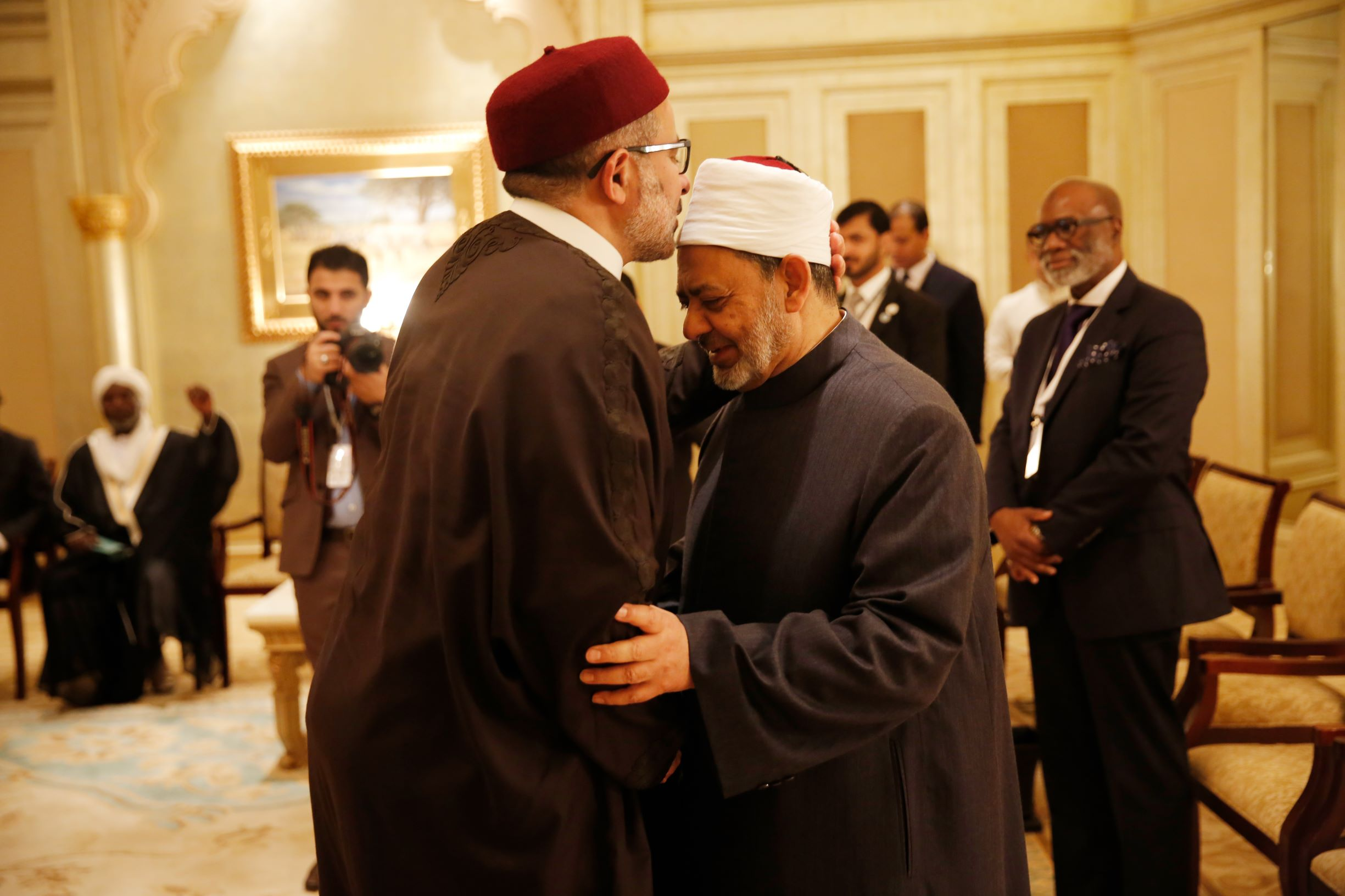 'we must confront hardliners with isolationist ideas with courage,' says grand imam of al azhar  2