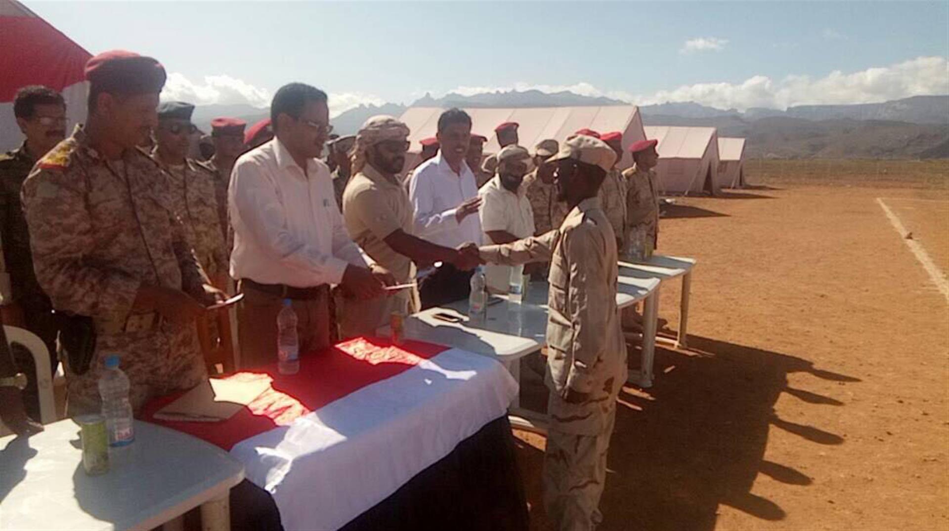 الاحتفال بتخريج دورة عسكرية في جزيرة سوقطرى اليمنية تحت إشراف وتدريب دولة الامارات . 2