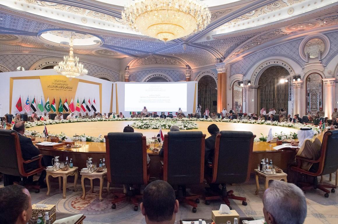 عبدالله بن زايد يترأس وفد الدولة في اجتماع الدول الأعضاء في تحالف دعم الشرعية باليمن 2