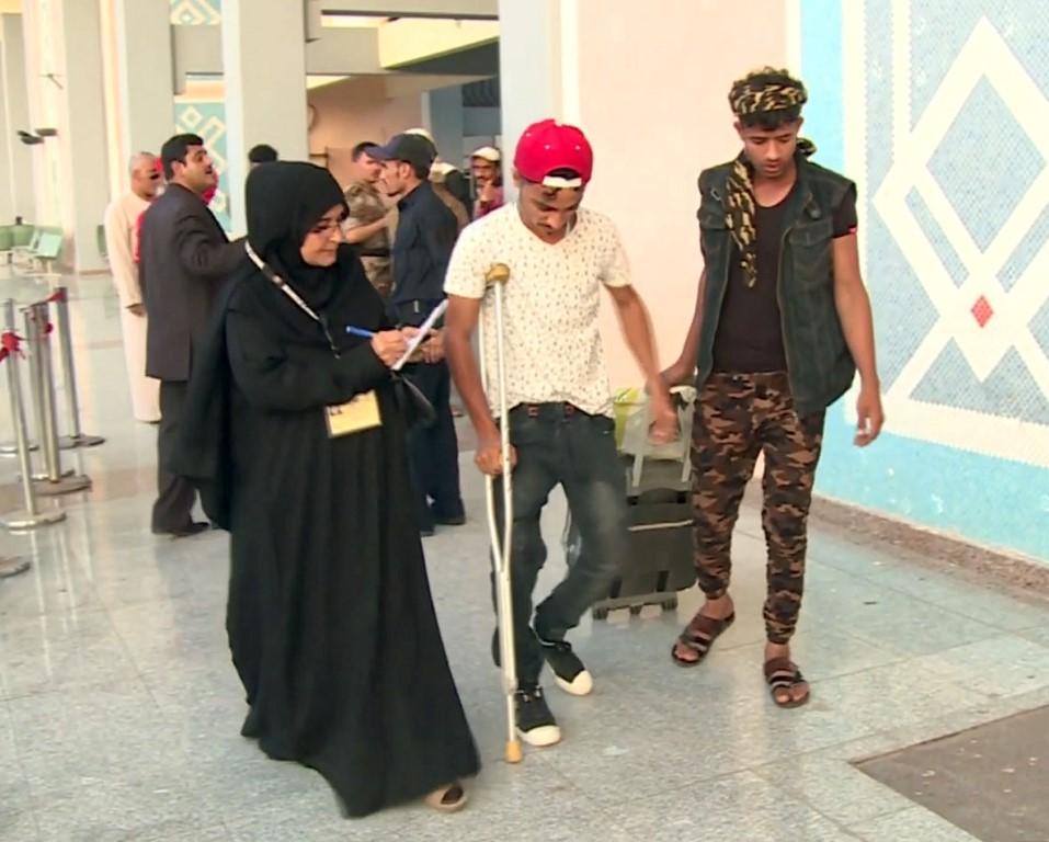 88 جريحا يمنيا يغادرون عدن لتلقي العلاج في المستشفيات الهندية  بإشراف الهلال الأحمر /2/