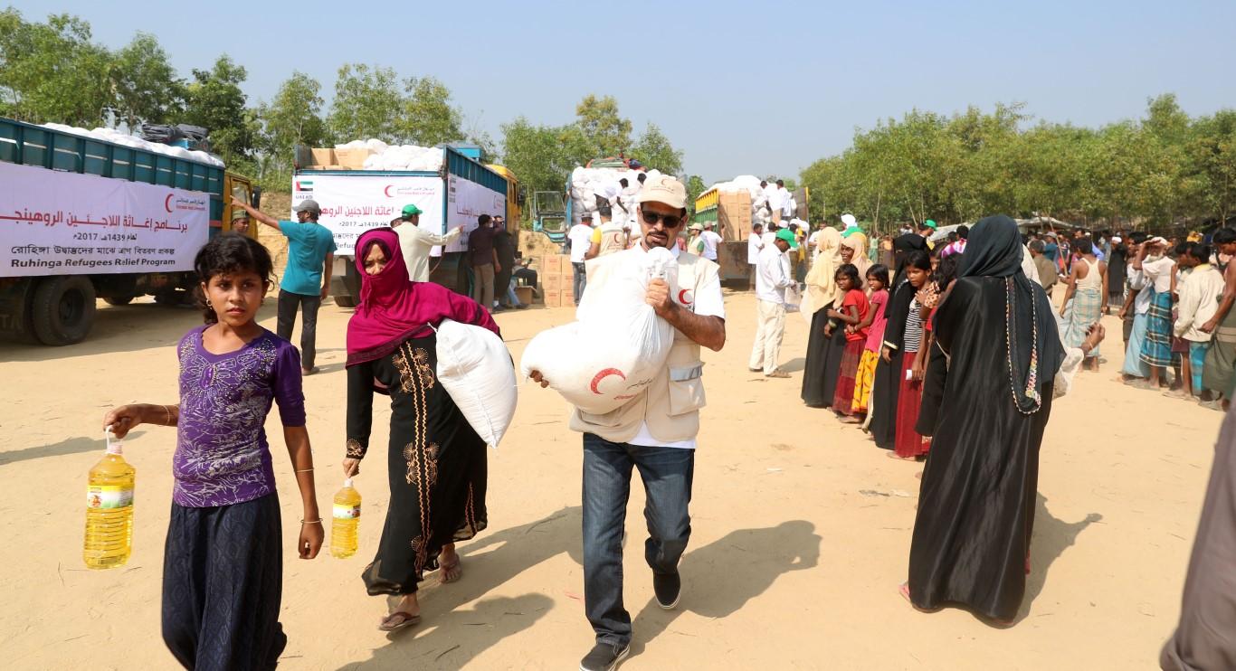 الهلال الأحمر الإماراتي ينفذ المرحلة الثالثة من برنامج إغاثة اللاجئين الروهيغا في بنغلاديش. 2