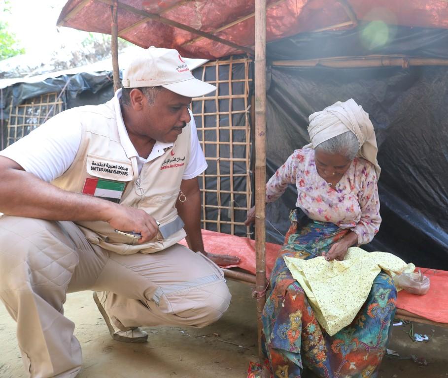 الهلال الأحمر الإماراتي ينفذ المرحلة الثالثة من برنامج إغاثة اللاجئين الروهيغا في بنغلاديش. 1