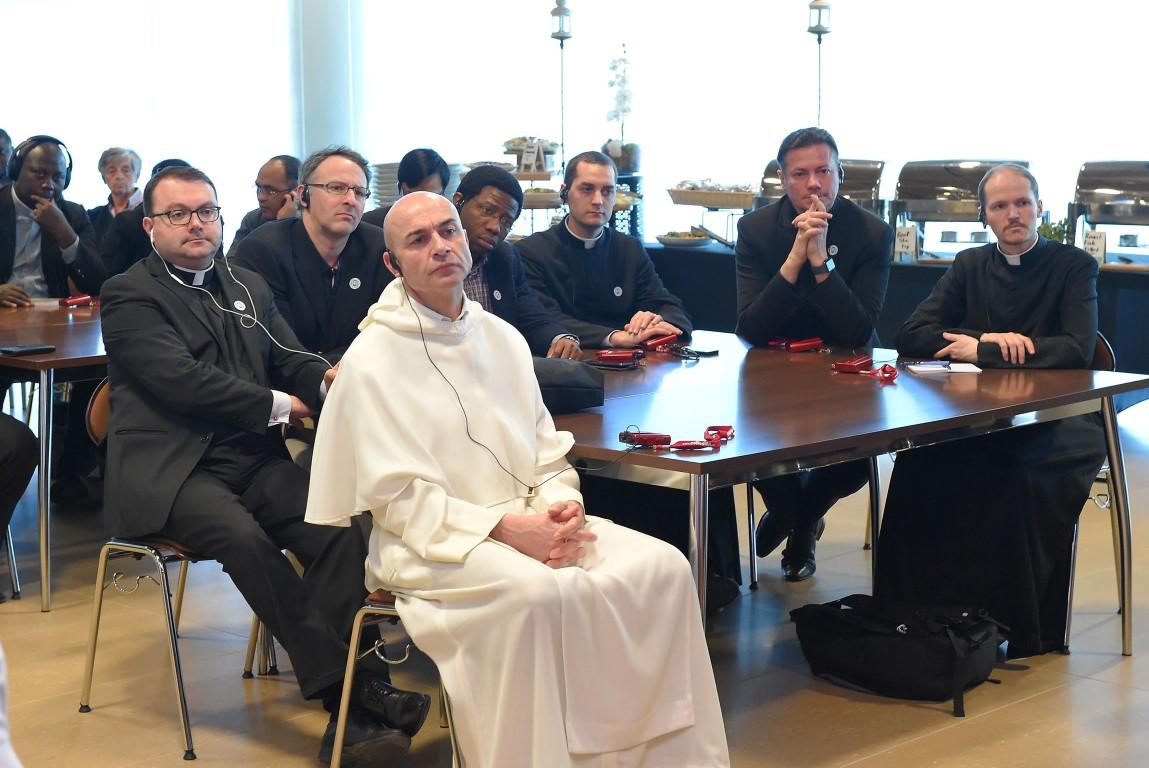 لبنى القاسمي : الإمارات نموذج حضاري للانفتاح الفكري والتعايش الثقافي. 1