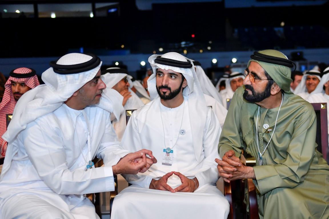 محمد بن راشد يكرم الفائزين بجوائز القمة العالمية للحكومات  بمشاركة سيف ومنصور بن زايد 5