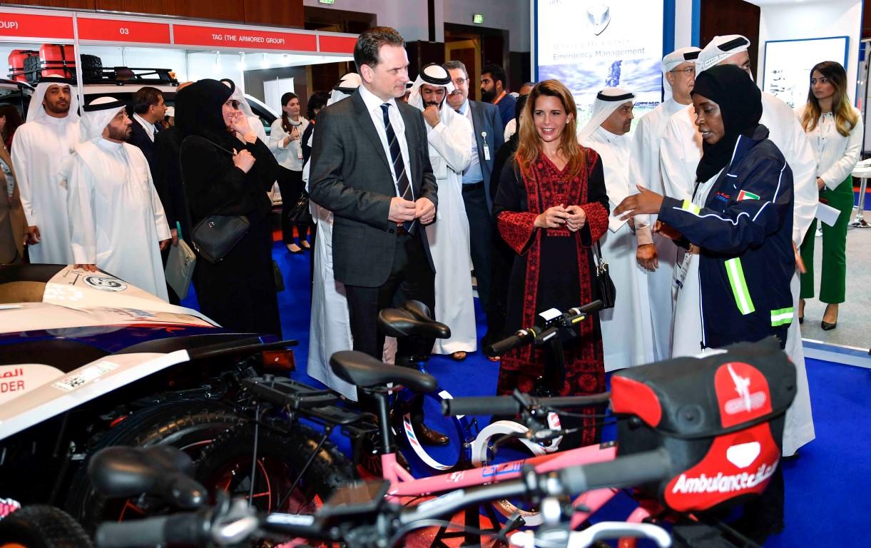 """هيا بنت الحسين تفتتح معرض ومؤتمر دبي الدولي للإغاثة والتطوير """" ديهاد """". 1"""