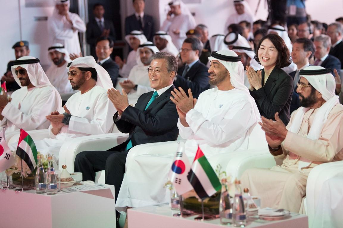 محمد بن زايد والرئيس الكوري يشهدان الإعلان عن اكتمال الأعمال  الإنشائية للمحطة النووية الأولى في براكة. 5