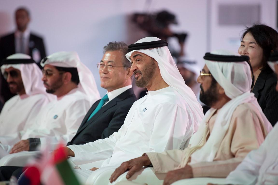 محمد بن زايد والرئيس الكوري يشهدان الإعلان عن اكتمال الأعمال  الإنشائية للمحطة النووية الأولى في براكة. 6