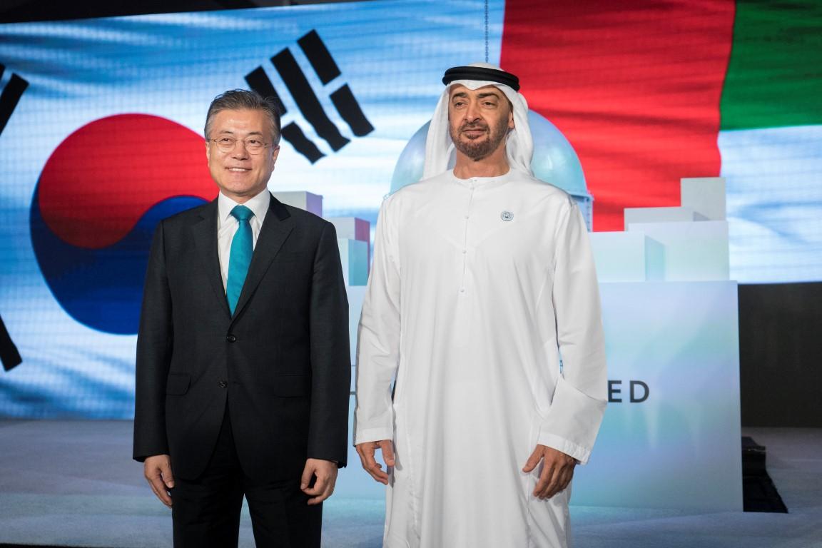 محمد بن زايد والرئيس الكوري يشهدان الإعلان عن اكتمال الأعمال  الإنشائية للمحطة النووية الأولى في براكة. 10