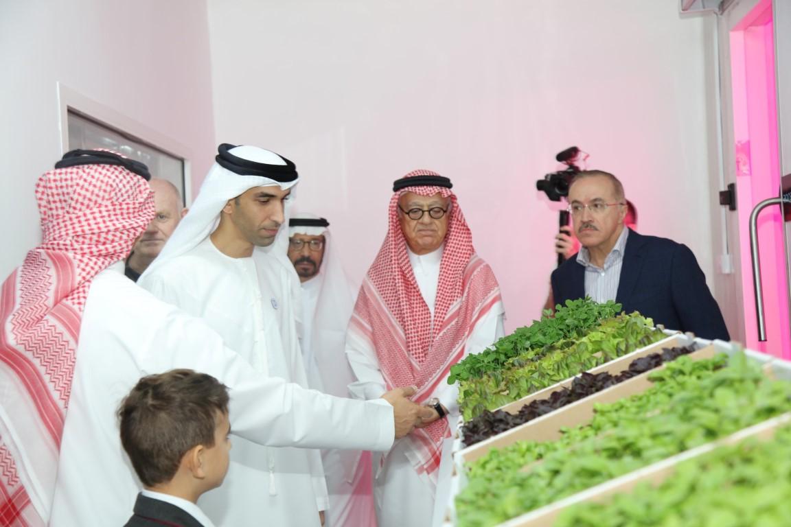 الزيودي يفتتح المزرعة المائية الرأسية الأولى في منطقة الخليج 1
