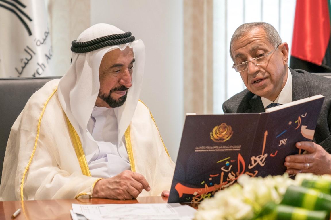 سلطان القاسمي يوقع اتفاقية لإنشاء فرع للأكاديمية العربية للعلوم  والتكنولوجيا في الشارقة /1/ /Medium/