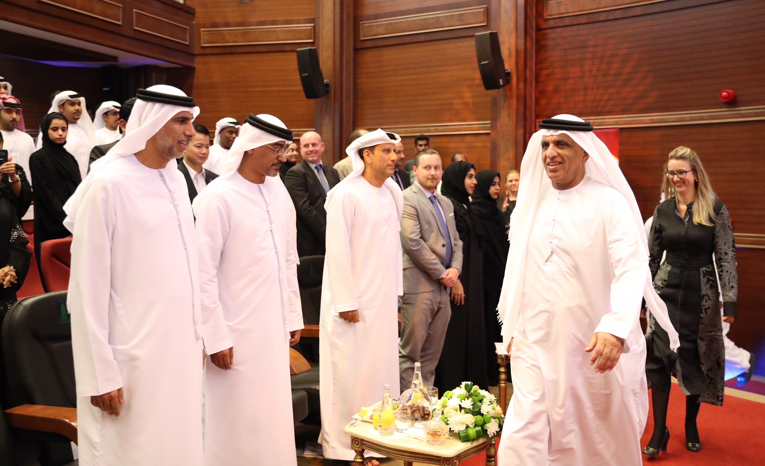 حاكم رأس الخيمة يكرم 70 طالبا وطالبة من برامج مؤسسة الشيخ سعود  بن صقر لبحوث السياسة العامة 3