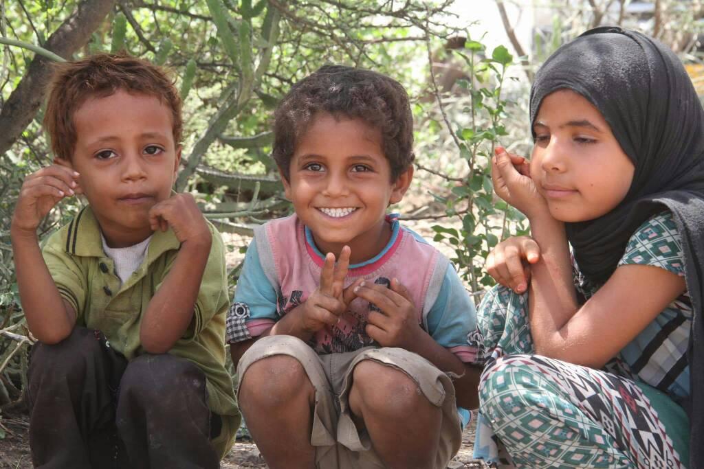 """""""الهلال الأحمر"""" يقدم مساعدات عاجلة للنازحين في تعز مع قدوم شهر رمضان. 3"""