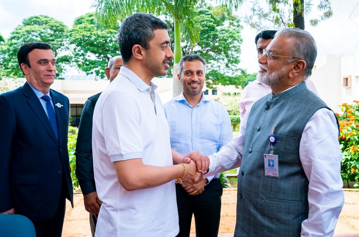 عبدالله بن زايد يزور منظمة أبحاث الفضاء الهندية 3