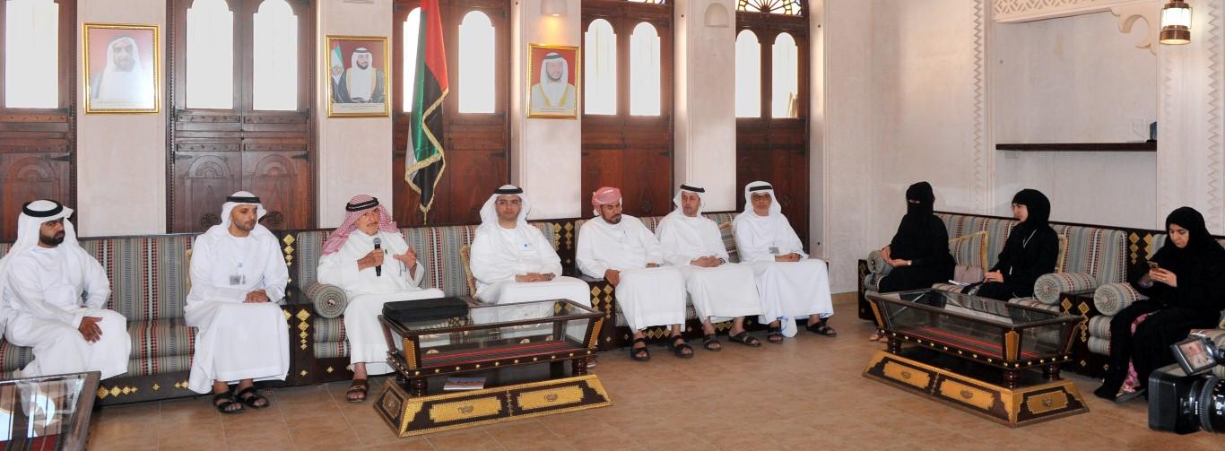 تراث الامارات  ينظم محاضرة عن  تاريخ الإمارات في الأرشيفات  الأجنبية . /Medium/ /4/