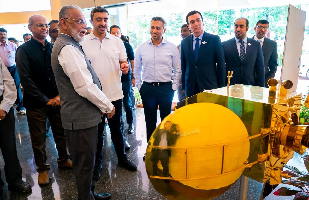 عبدالله بن زايد يزور منظمة أبحاث الفضاء الهندية 4