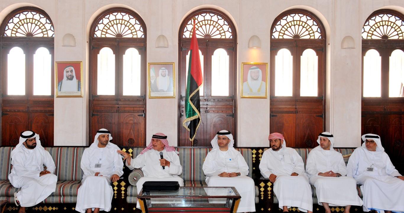 تراث الامارات  ينظم محاضرة عن  تاريخ الإمارات في الأرشيفات  الأجنبية . /Medium/ /1/