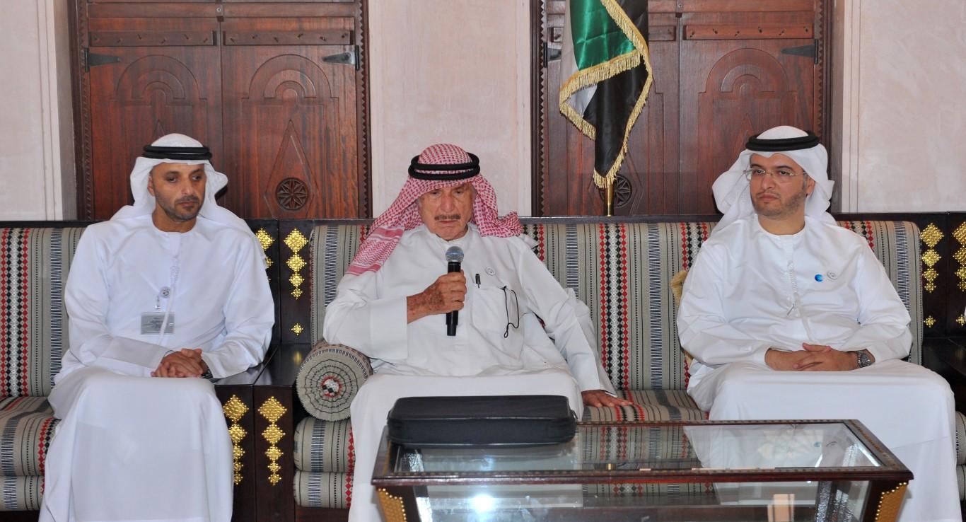 تراث الامارات  ينظم محاضرة عن  تاريخ الإمارات في الأرشيفات  الأجنبية . /Medium/ /3/