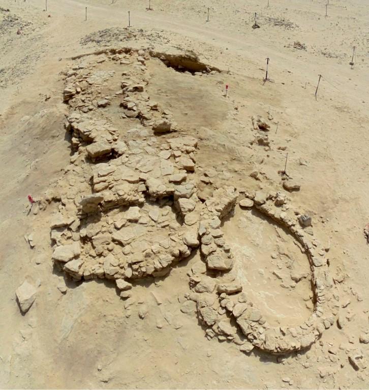 اكتشاف أقدم قرية في الامارات بجزيرة مروح. /Medium/ /1/