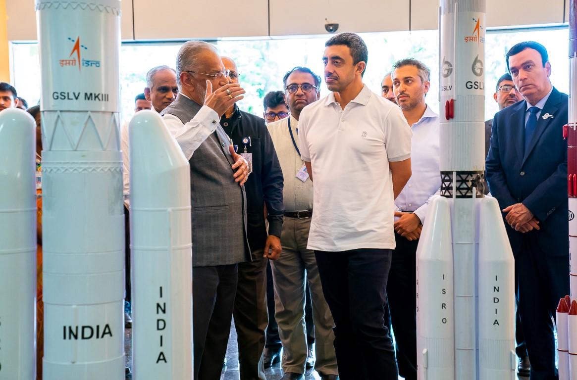 عبدالله بن زايد يزور منظمة أبحاث الفضاء الهندية 1