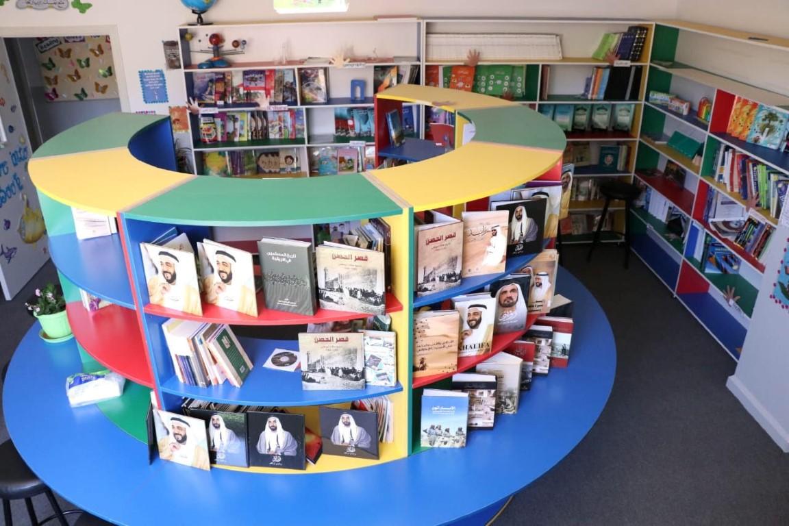 سفارة الدولة تهدى مكتبة جمعية الشباب البقاعي اللبنانية 100 كتاب بمناسبة   عام زايد  .2 /Medium/