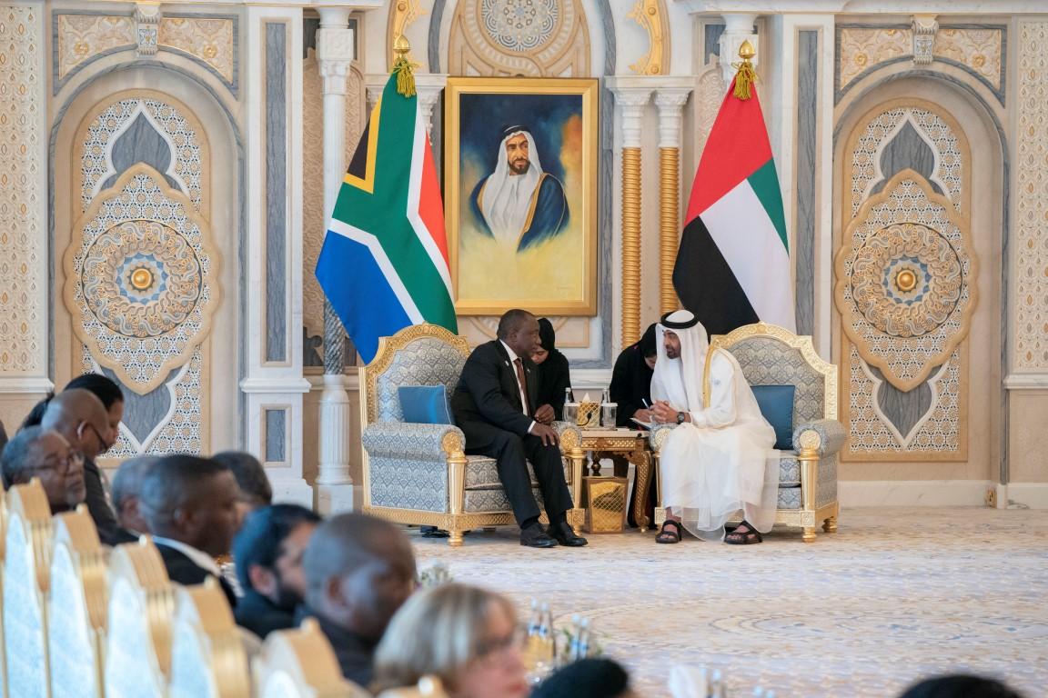 محمد بن زايد يبحث مع رئيس جنوب افريقيا تعزيز علاقات الصداقة والتعاون 3