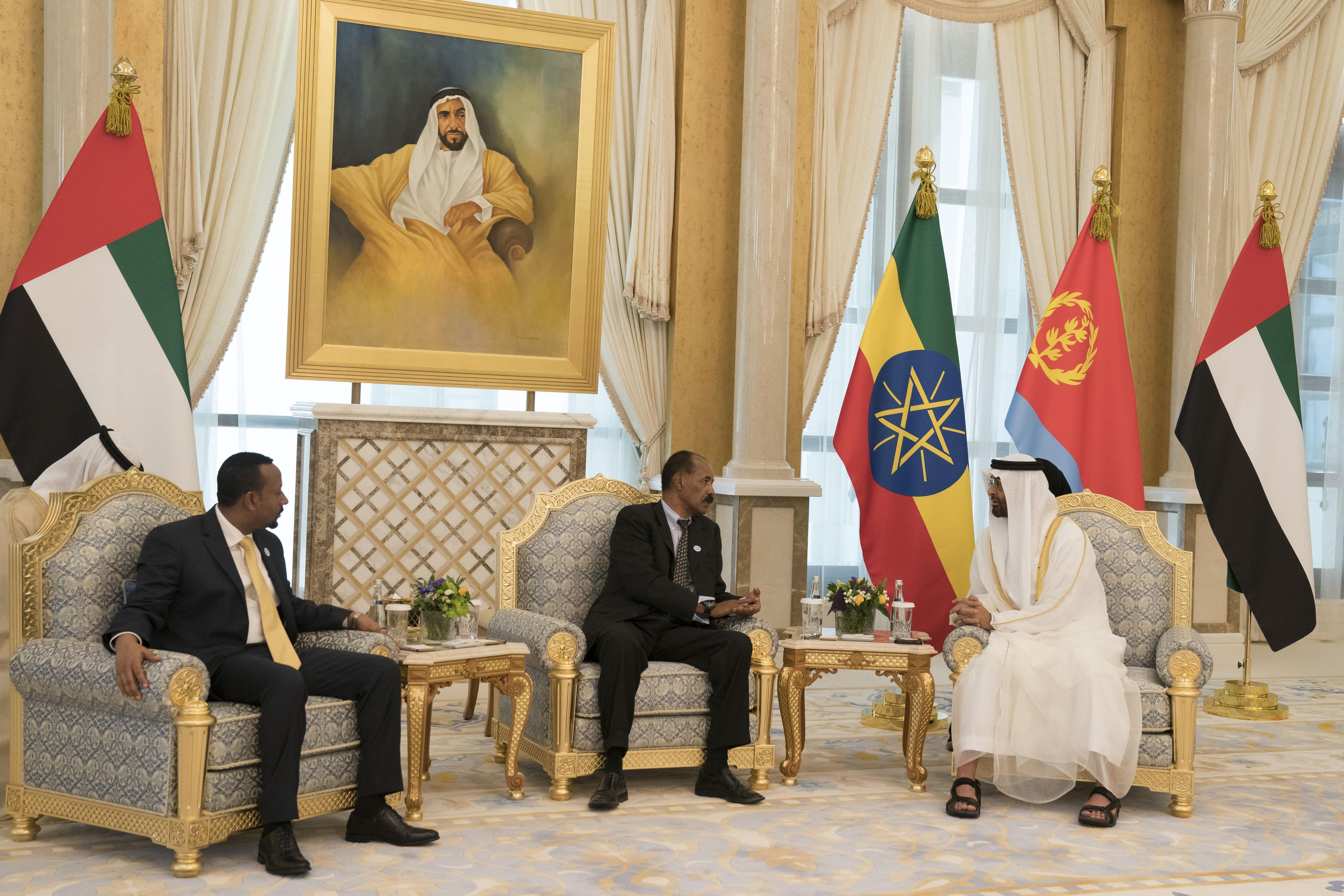 قمة ثلاثية بين رئيس أريتريا ورئيس وزراء أثيوبيا وولي عهد أبوظبي 3