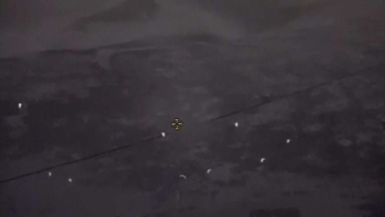 """""""التحالف العربي"""" ينفذ عملية إسقاط جوي لمساعدات إغاثية على أهالي الدريهمي في الحديدة مقدمة من """" الهلال الأحمر"""". 3"""
