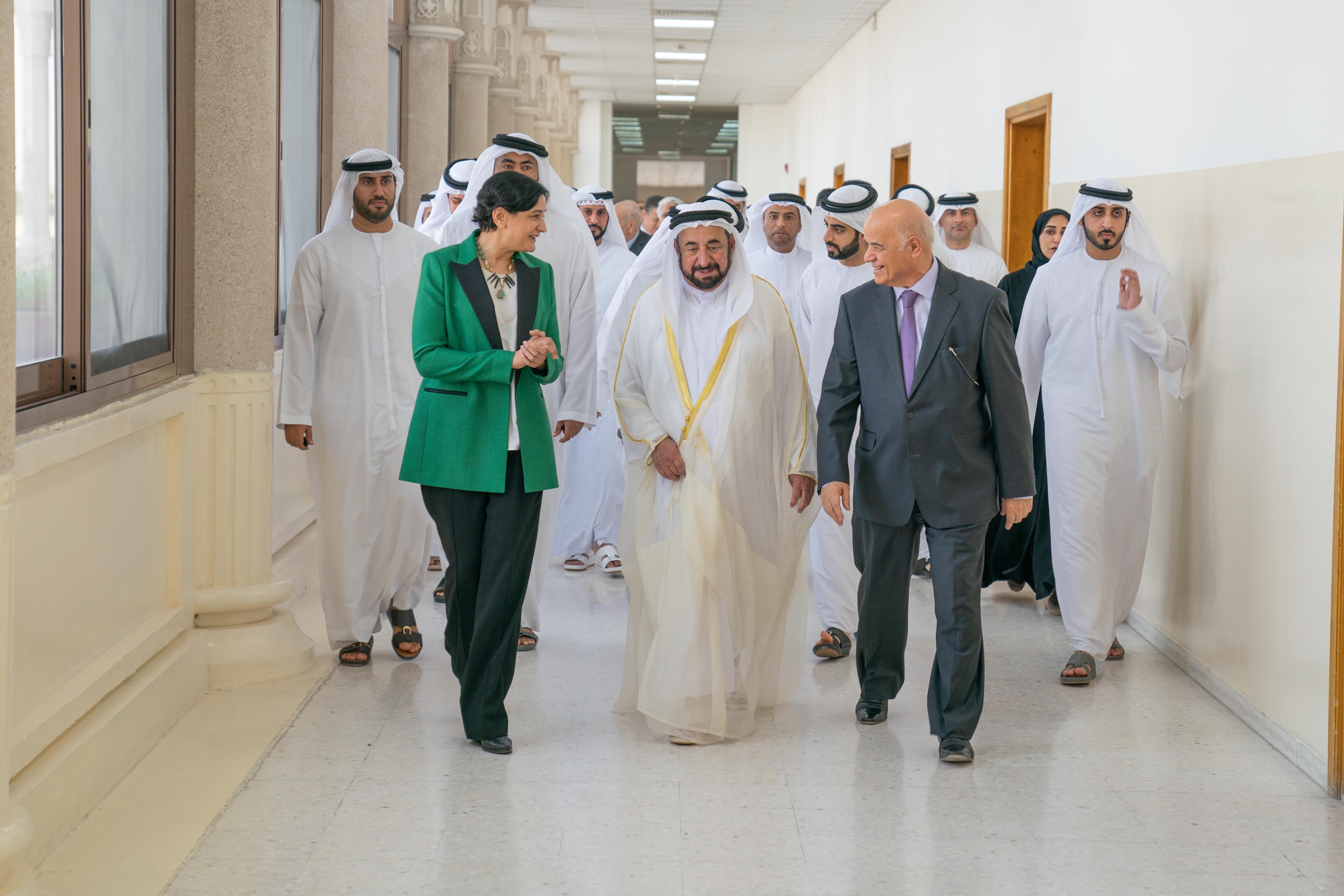 """سلطان القاسمي يشهد إطلاق فرع مركز الشارقة لريادة الأعمال """" شراع """" بجامعة الشارقة 1"""
