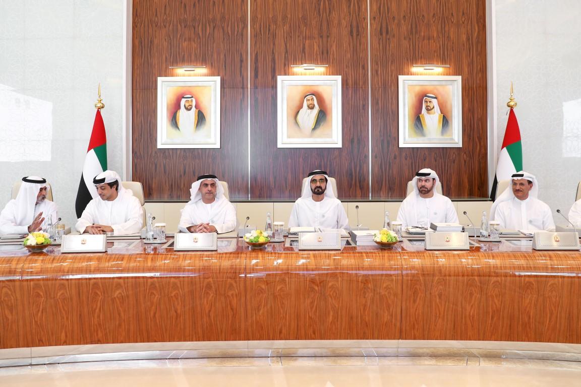 محمد بن راشد يوجه بدعم قطاع الصناعات الكبيرة و المتوسطة والصغيرة باعتبارها المحرك الرئيسي للتنمية الاقتصادية 2