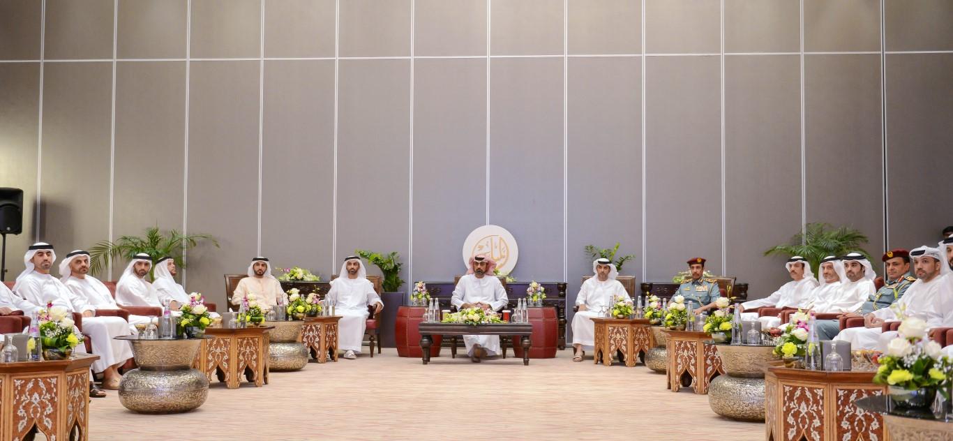 عمار النعيمي يحضر جلسة معرفة حول مستقبل العلاقات مع الصين. 1