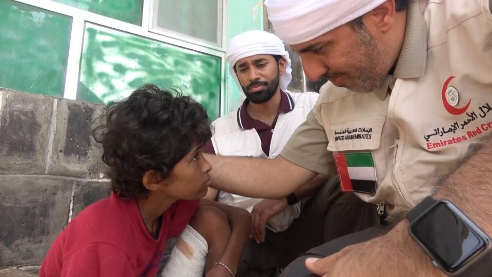 """"""" الهلال """" يسلم مستشفى المخا شحنة مكملات غذائية موجهة لأطفال الساحل الغربي لليمن 2"""