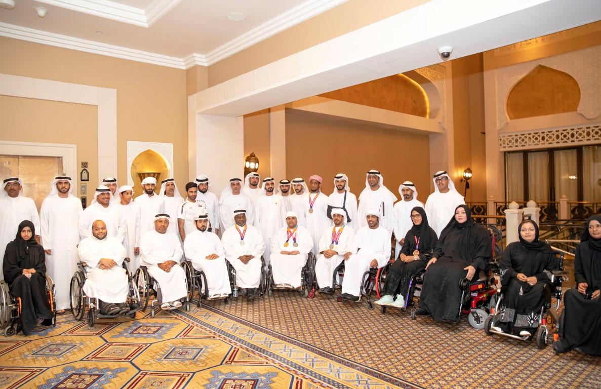 محمد بن راشد يلتقي أعضاء منتخب الإمارات لأصحاب الهمم KHE /Medium/ 8