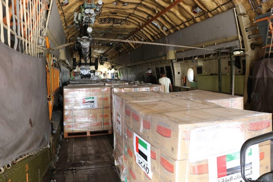 الإمارات تقدم 33 طنا من المكملات الغذائية لليمن للحيلولة دون إصابة الأطفال بسوء التغذية الحاد.  5