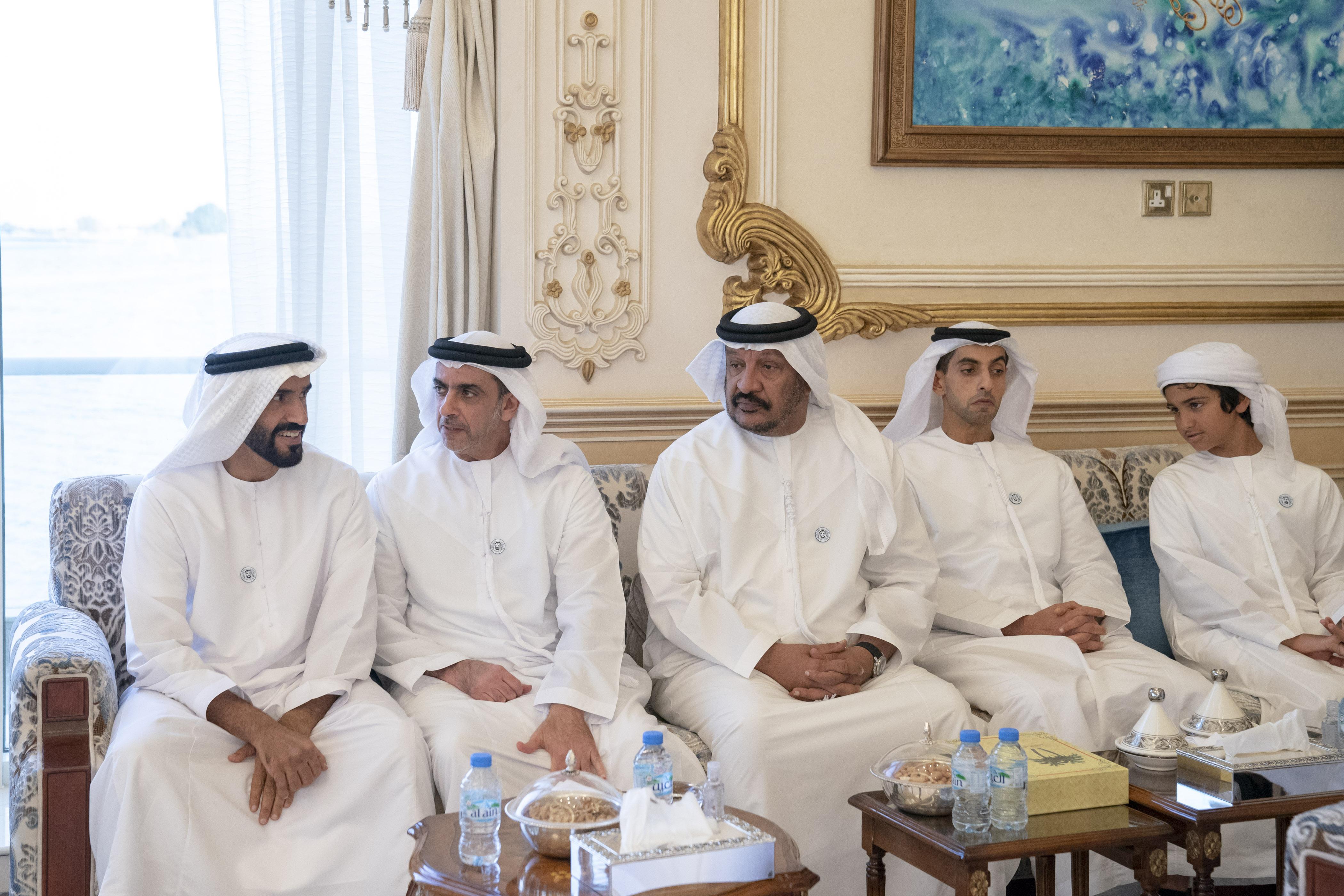 محمد بن زايد يستقبل الأمير أندرو دوق يورك 3