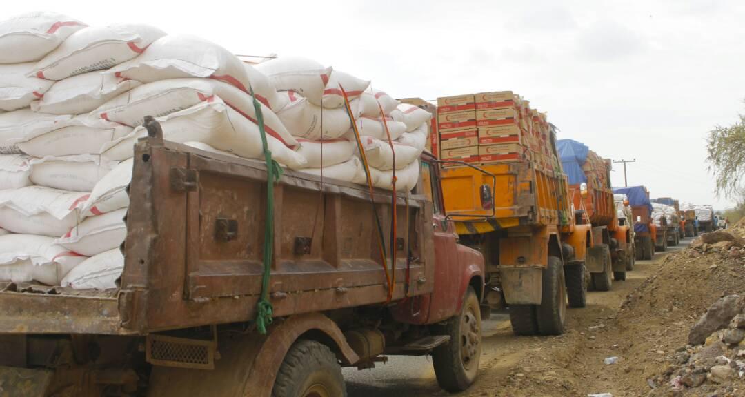 """""""الهلال الأحمر"""" يسير قافلة مساعدات لمديرية الأزارق. 5"""