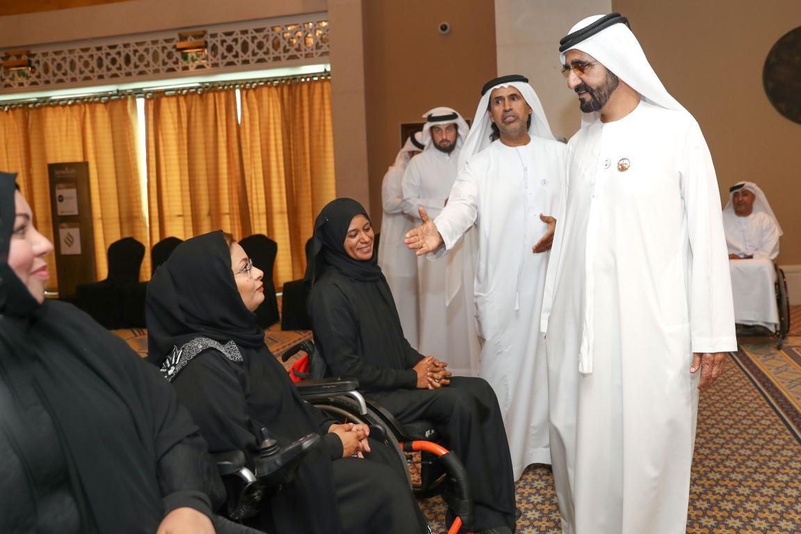 محمد بن راشد يلتقي أعضاء منتخب الإمارات لأصحاب الهمم KHE /Medium/ 5