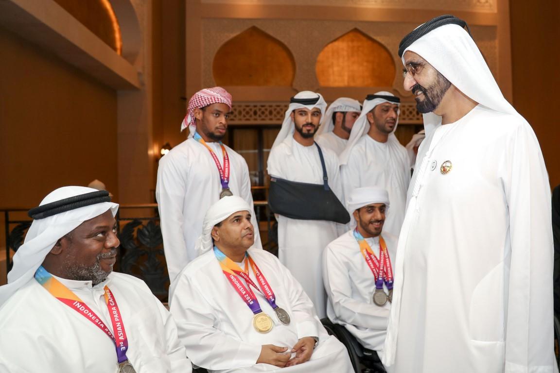 محمد بن راشد يلتقي أعضاء منتخب الإمارات لأصحاب الهمم KHE /Medium/ 7