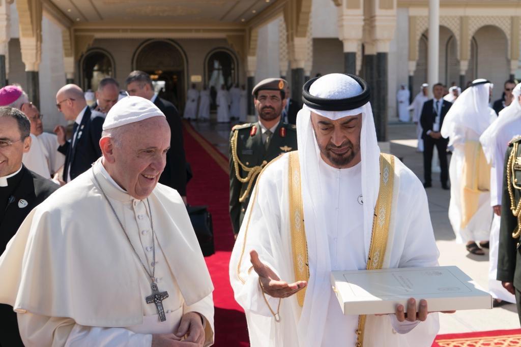 pope francis departs abu dhabi 4