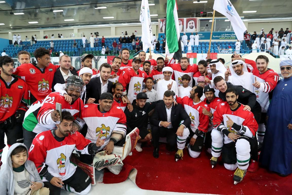 الإمارات تتأهل إلى كأس العالم لهوكي الجليد