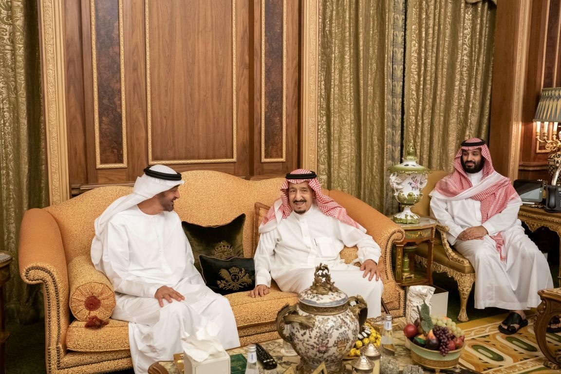 خادم الحرمين ومحمد بن زايد يبحثان العلاقات الأخوية و تطورات الأحداث في المنطقة