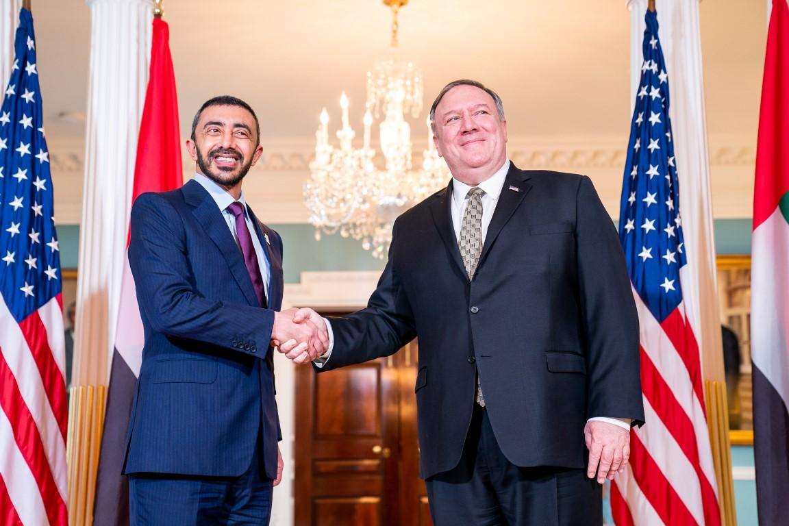 عبدالله بن زايد يلتقي مسؤولين بالإدارة الأمريكية في واشنطن