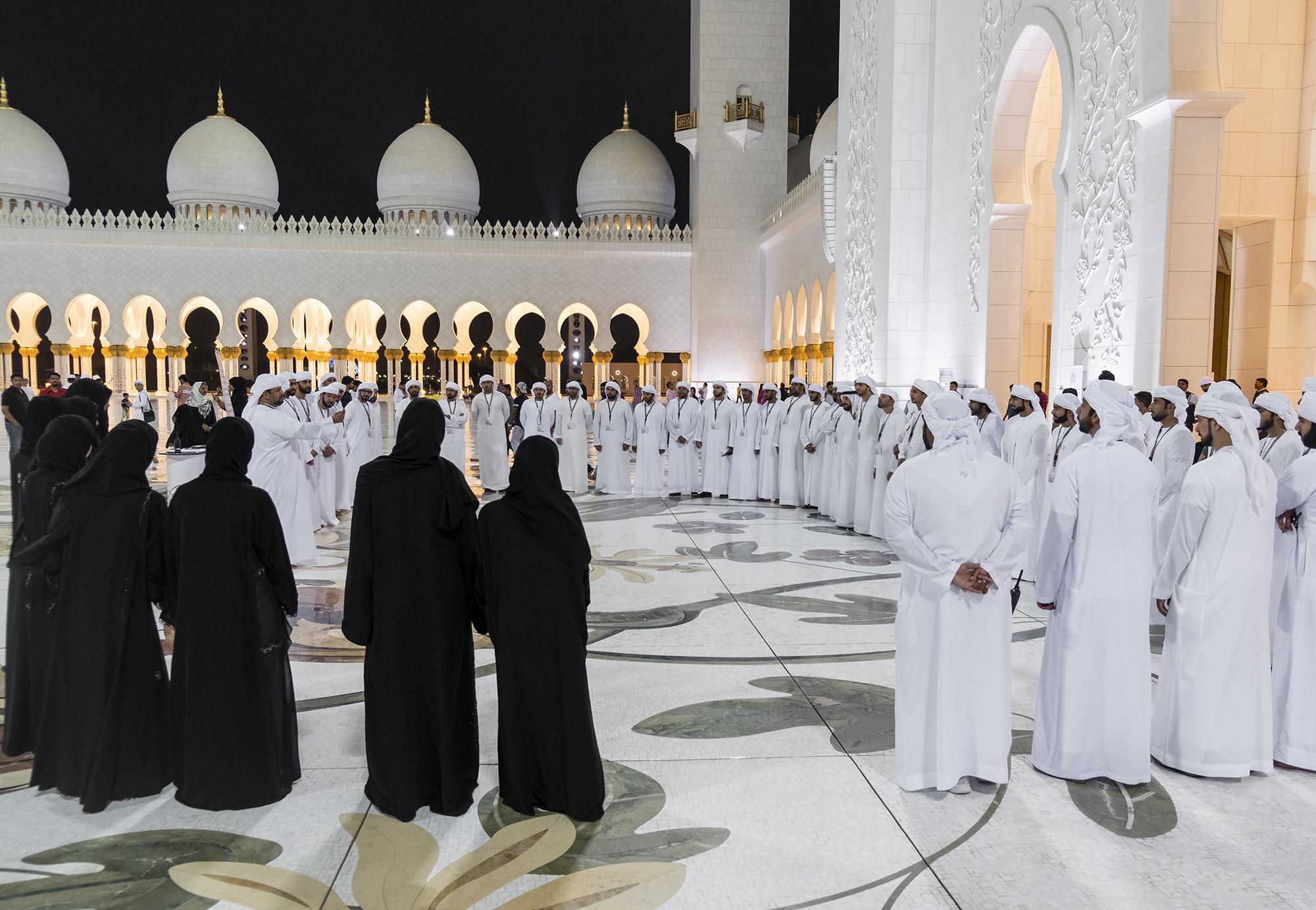 جامع الشيخ زايد الكبير يستقبل أكثر من 420 ألف شخص في العشر الأُول من رمضان