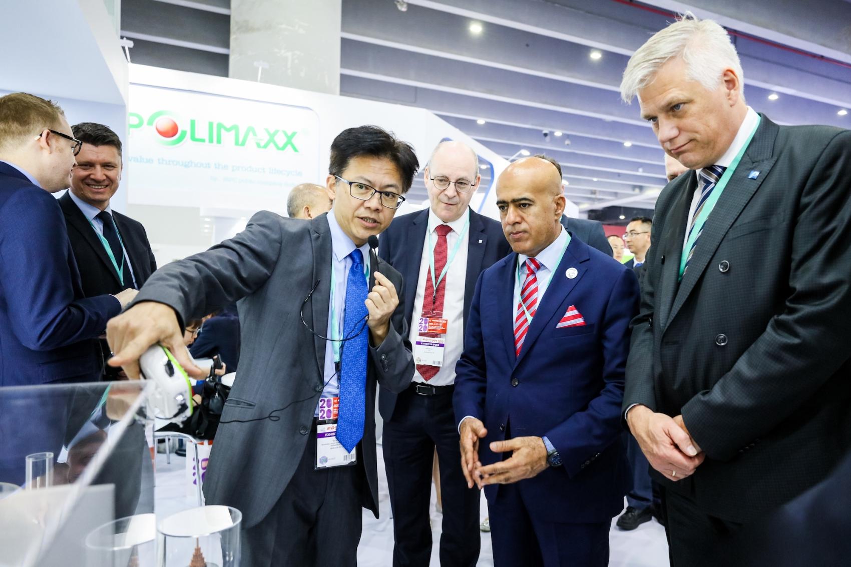 """""""بروج"""" تستعرض منتجاتها وخطط النمو المستقبلية في معرض صيني"""