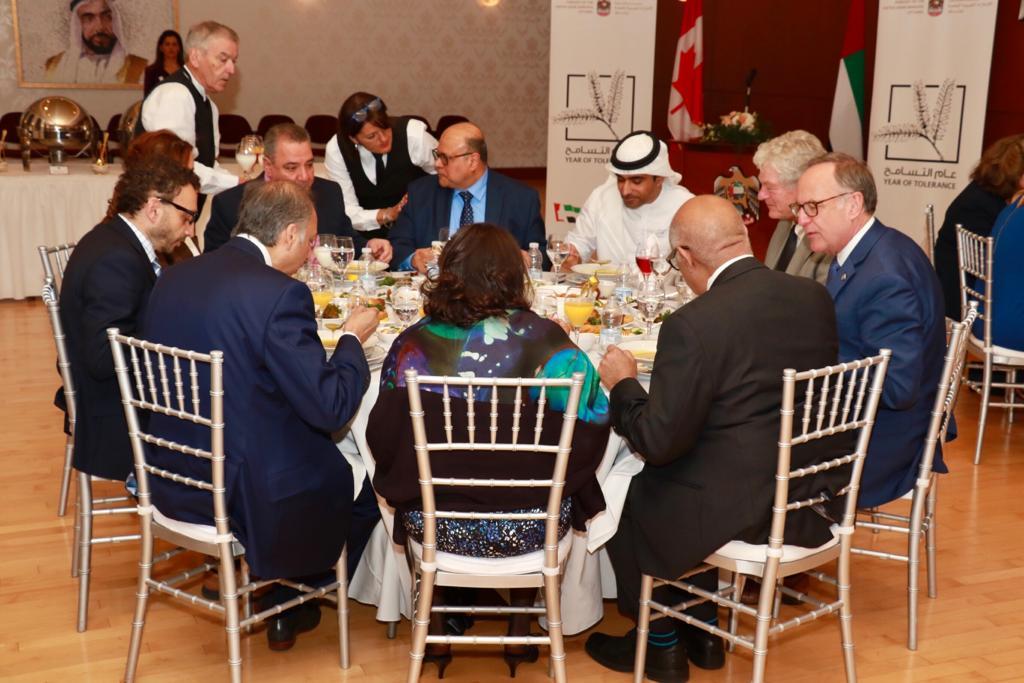 سفارة الدولة في كندا تقيم إفطارا رمضانيا لمدعوين من مختلف الديانات