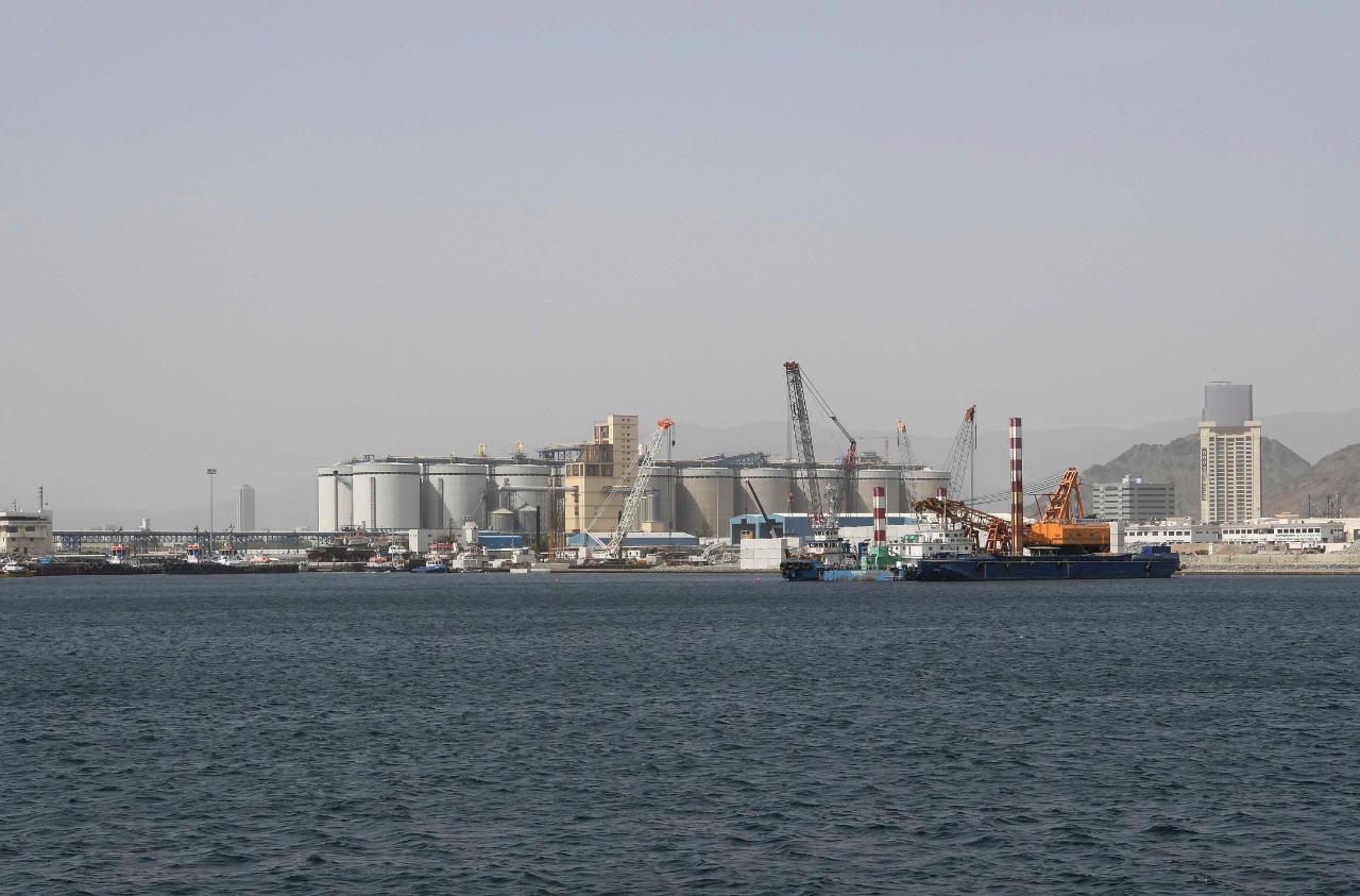وام العمل في ميناء الفجيرة يسير بشكل طبيعي. 4