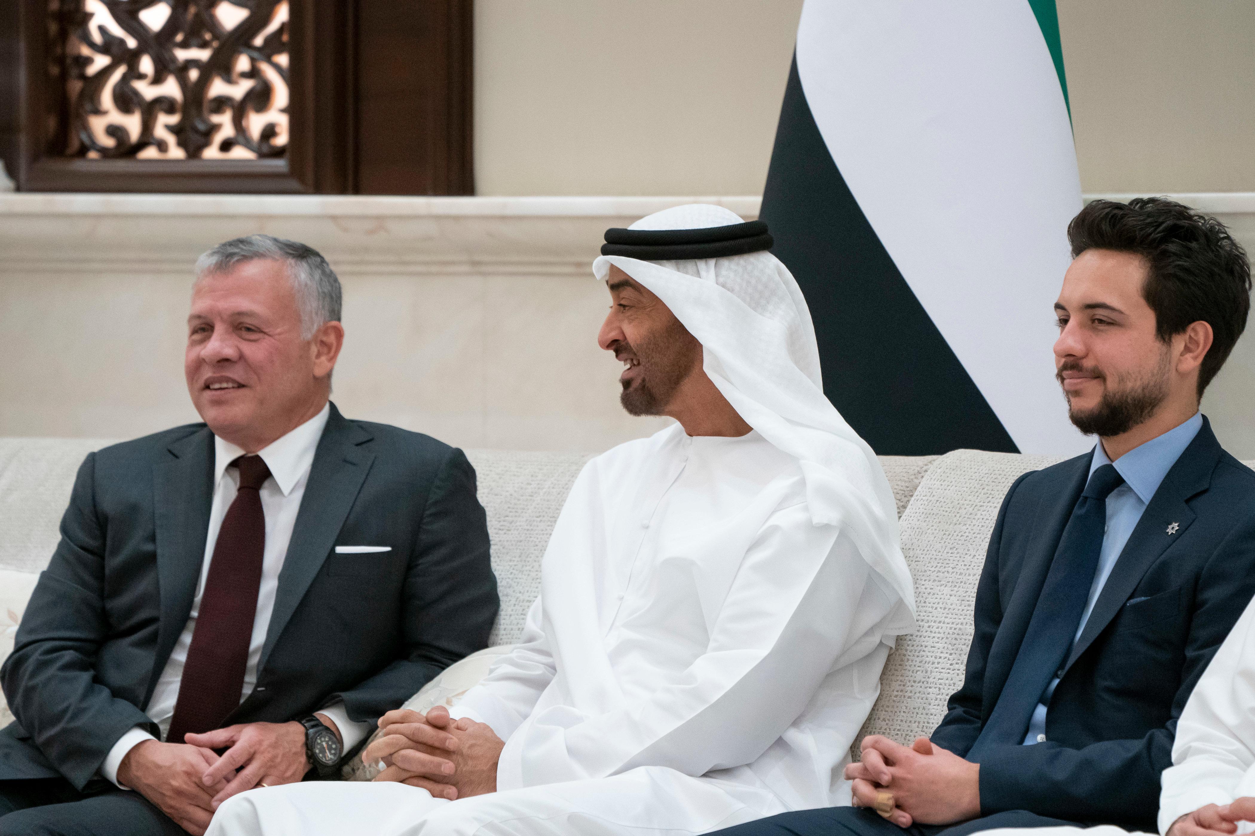 محمد بن زايد وملك الأردن يؤكدان متانة العلاقات التاريخية بين البلدين