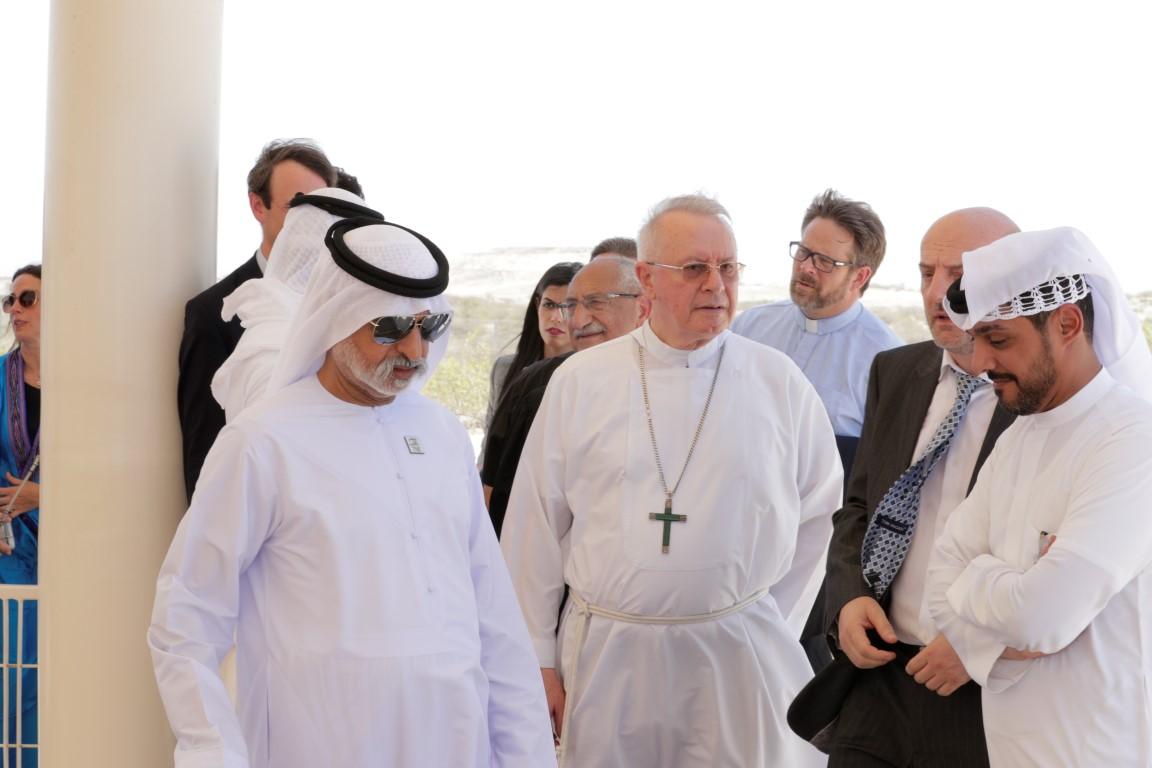 نهيان بن مبارك يدشن موقع كنيسة ودير صير بني ياس